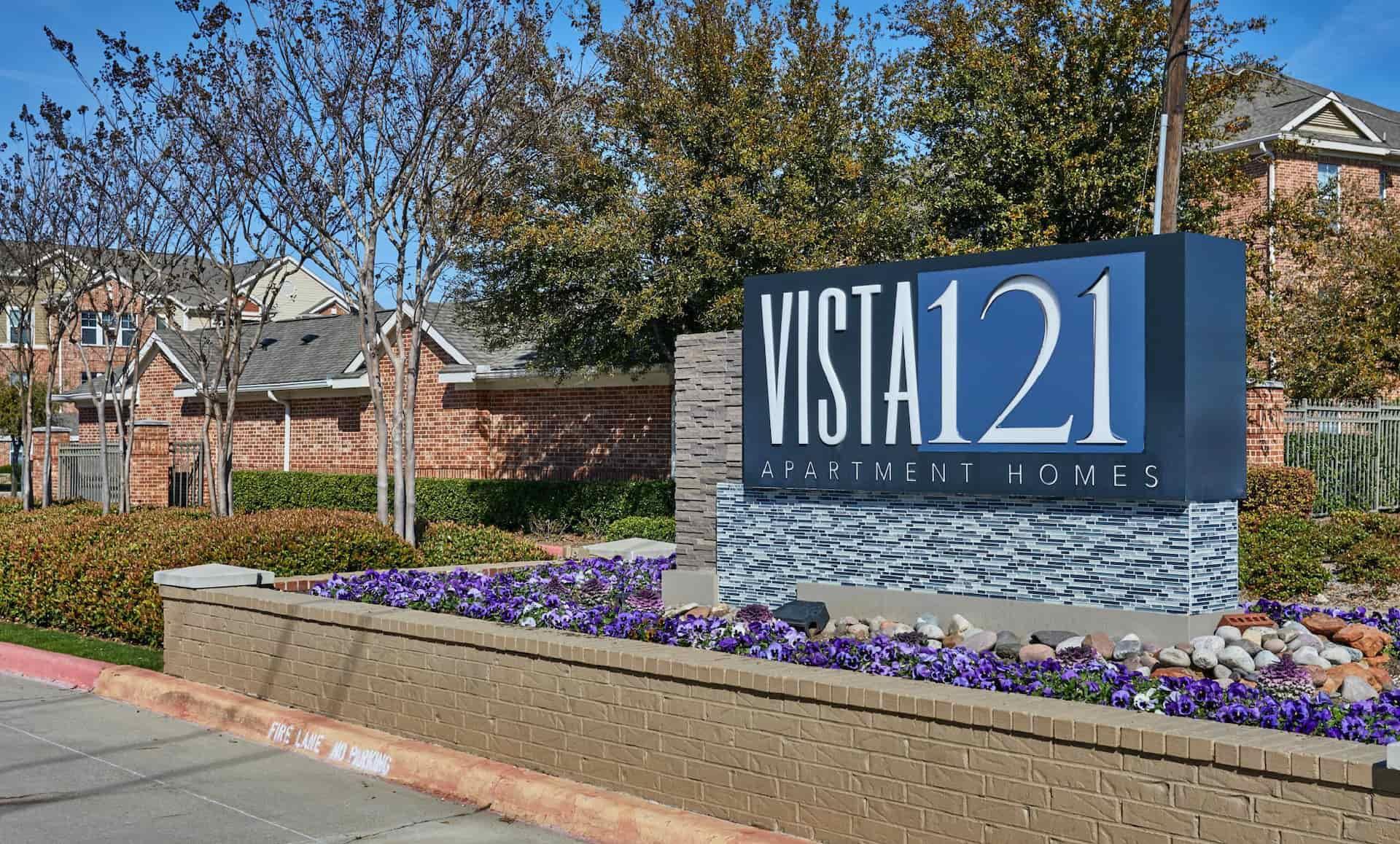 Vista 121 Apartment Homes sign
