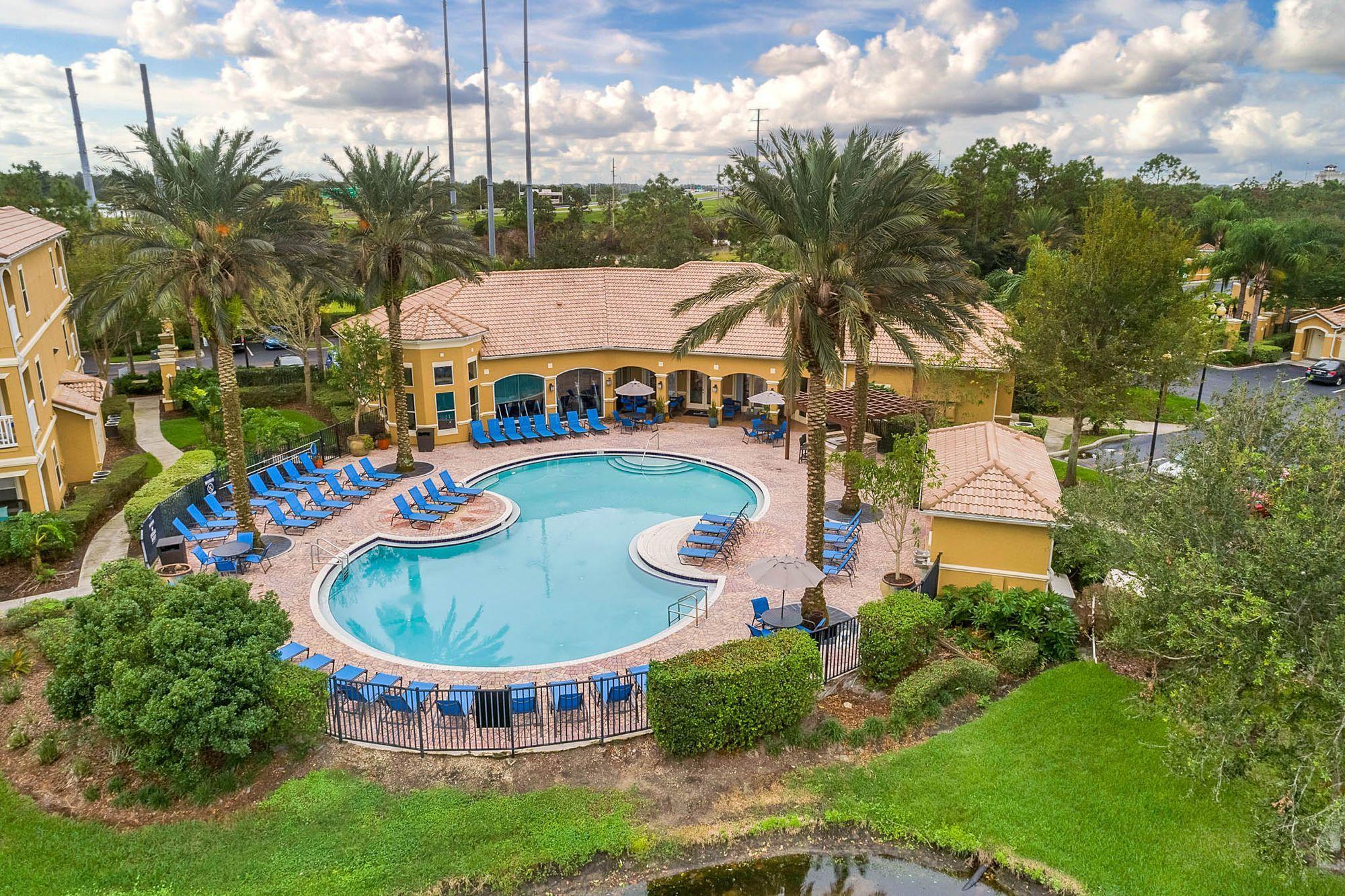 Halston World Gateway, Orlando, FL